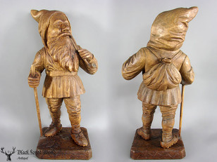 very fine detailed gnome with pipe